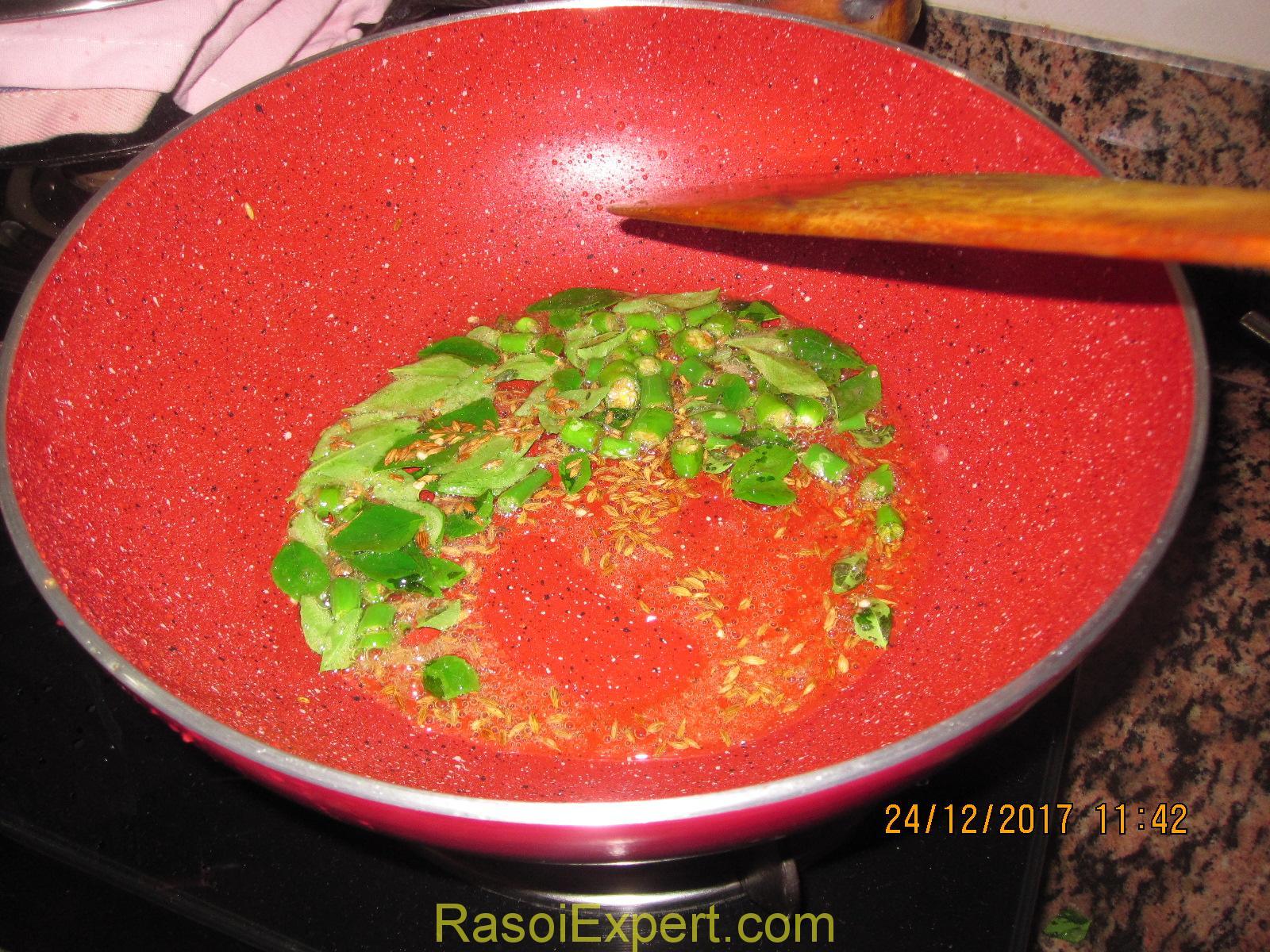 Sabudana Khichdi Recipe- How To Make Non-Sticky Sabudana Khichdi- Tapioca Pearl Pilaf